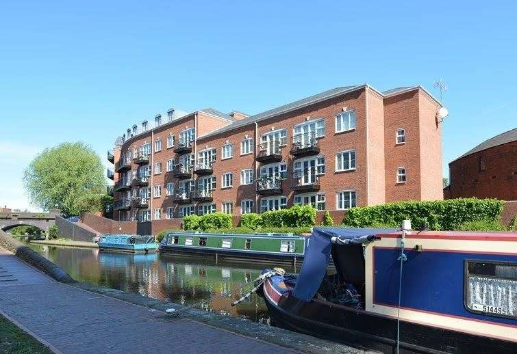 2 Bedrooms Apartment Flat for sale in St Vincent Street, Birmingham, B16