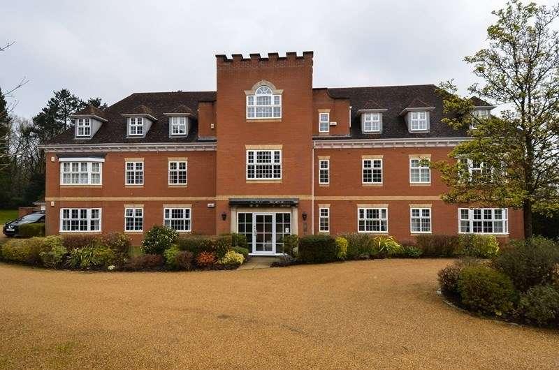 2 Bedrooms Apartment Flat for sale in Greenhurst Drive, Barnt Green, Birmingham, B45