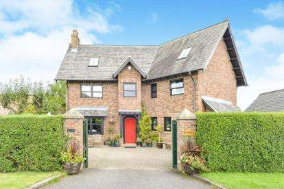 4 Bedrooms Detached House for sale in Dalton On Tees, Darlington, North Yorkshire
