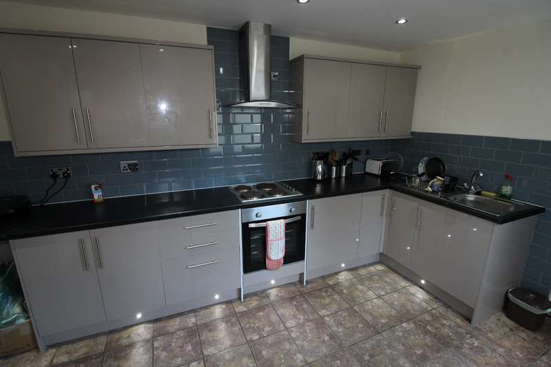 6 Bedrooms House for rent in Wyeverne road, Cathays, Cardiff