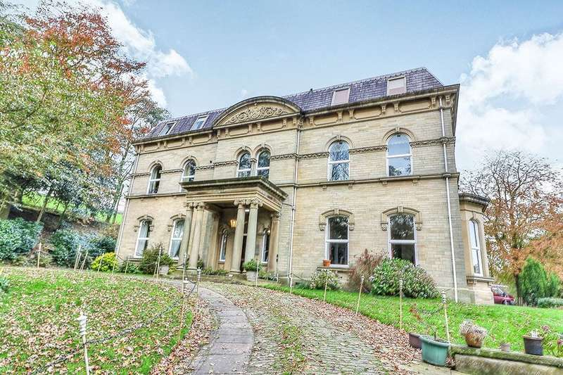 2 Bedrooms Flat for rent in Luddenden, Halifax, HX2