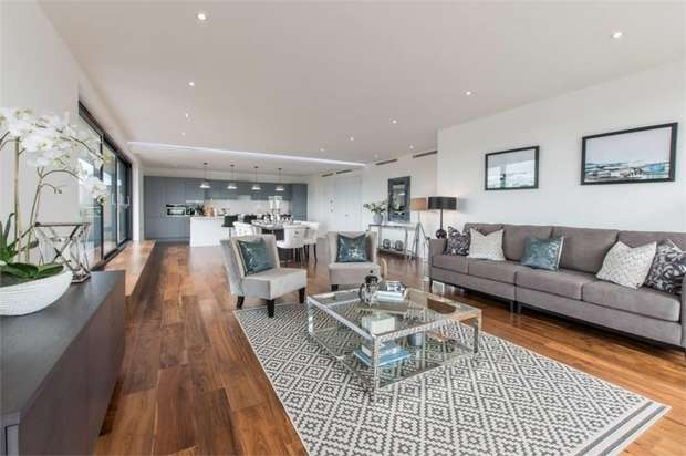 3 Bedrooms Flat for sale in Grenville Place, Mill Hill, NW7