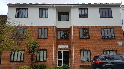 2 Bedrooms Flat for sale in Chaucer Court, 79 Station Road, Barnet