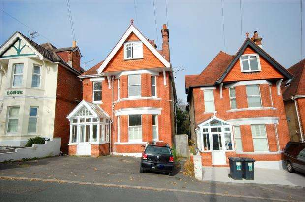 1 Bedroom Flat for sale in Alum Chine, Bournemouth, Dorset, BH4