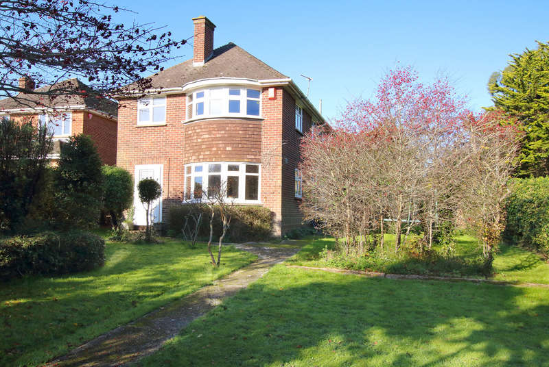 4 Bedrooms Detached House for sale in Bingham Drive, Lymington, Hampshire