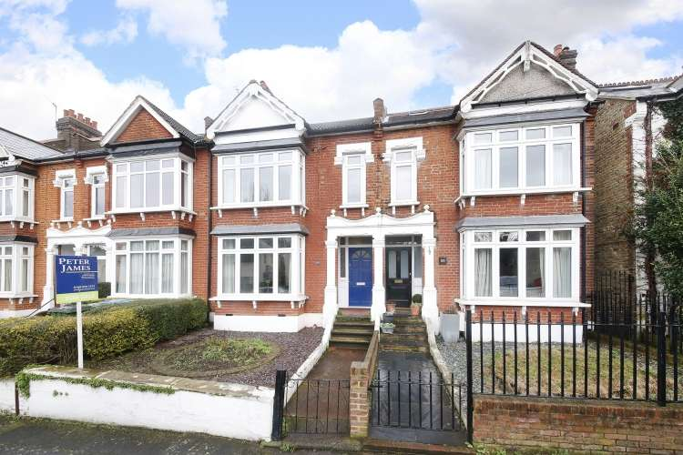 3 Bedrooms Terraced House for sale in Kinveachy Gardens Charlton SE7