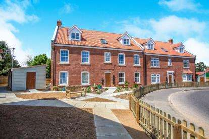 2 Bedrooms Flat for sale in Bacton Road, North Walsham, Norfolk