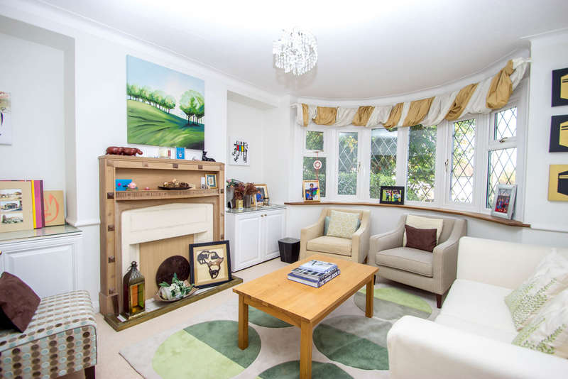 3 Bedrooms Semi Detached House for sale in Purley Downs Road, CR2 0RE