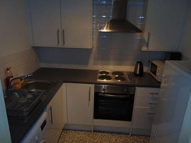 2 Bedrooms Flat for sale in Quarry Street, Hamilton, ML3 7DR