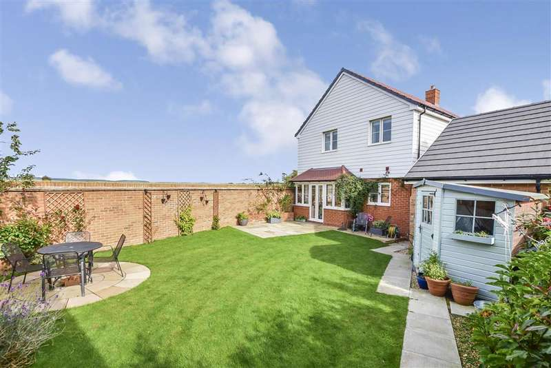 4 Bedrooms Detached House for sale in Navigation Drive, Yapton, Arundel, West Sussex
