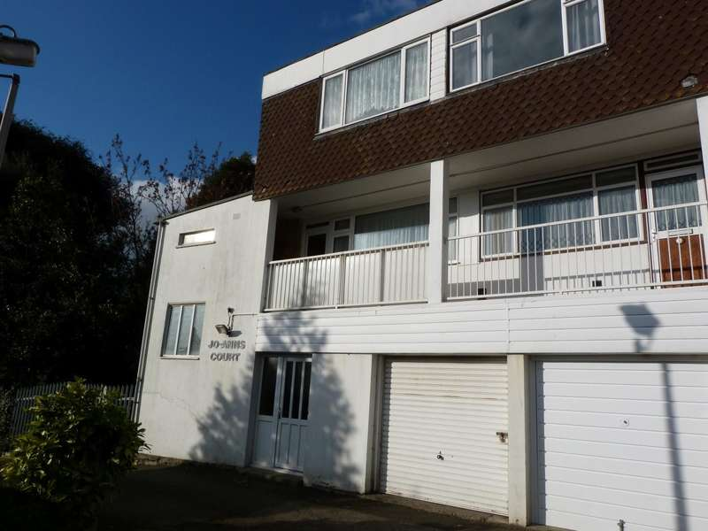 3 Bedrooms Maisonette Flat for sale in Joanns Court, Stephen Close, Broadstairs