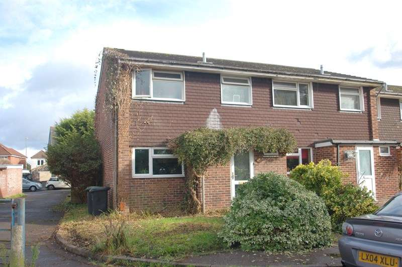 3 Bedrooms End Of Terrace House for sale in Norfolk Road, Gosport