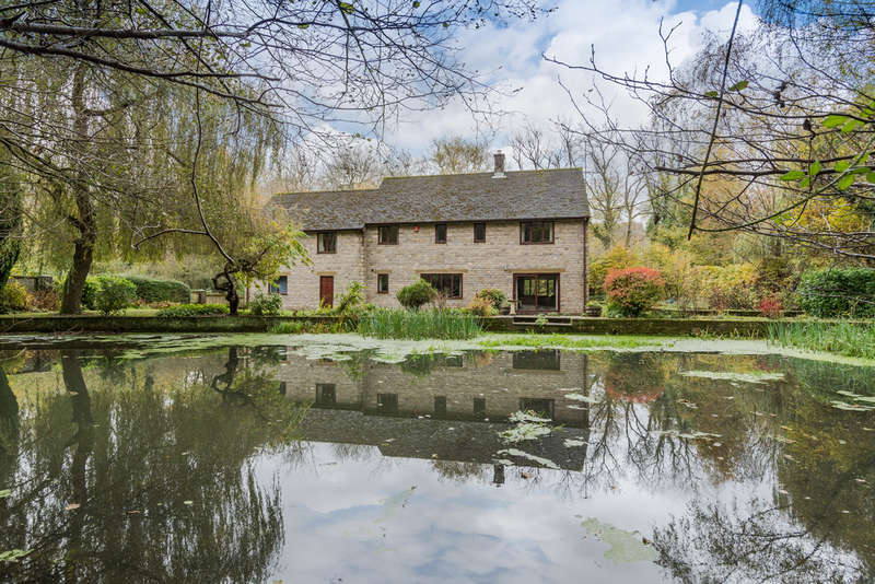 3 Bedrooms Detached House for sale in Shadwell, Uley