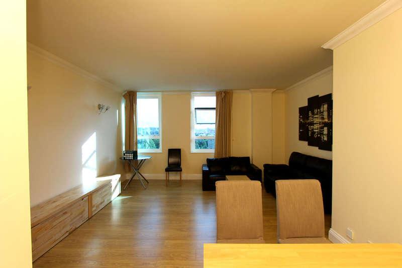1 Bedroom Flat for sale in Lanark Square, London