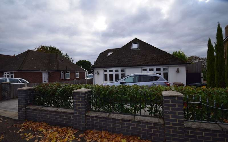 5 Bedrooms Detached House for sale in Mounts Road, Greenhithe, Kent, DA9