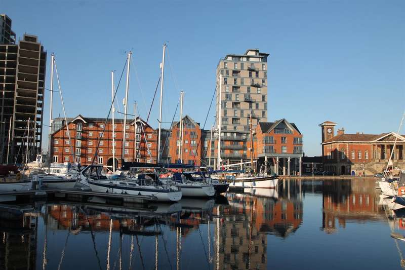2 Bedrooms Apartment Flat for sale in The Cambria, Regatta Quay, Ipswich