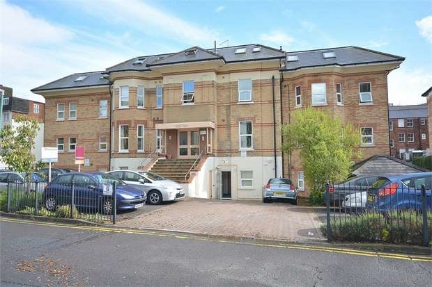 2 Bedrooms Flat for sale in Lorne Park Road, Bournemouth, Dorset