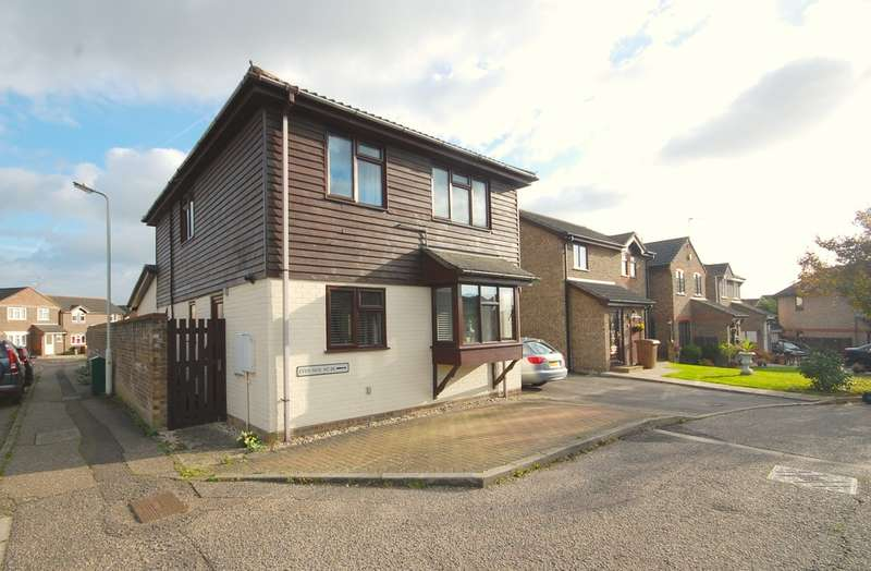 3 Bedrooms Detached House for sale in Golding Thoroughfare, Chelmer Village, Chelmsford, CM2