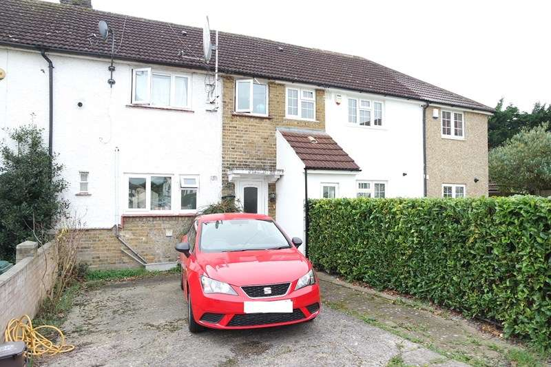 3 Bedrooms Terraced House for sale in Brent Place, Barnet