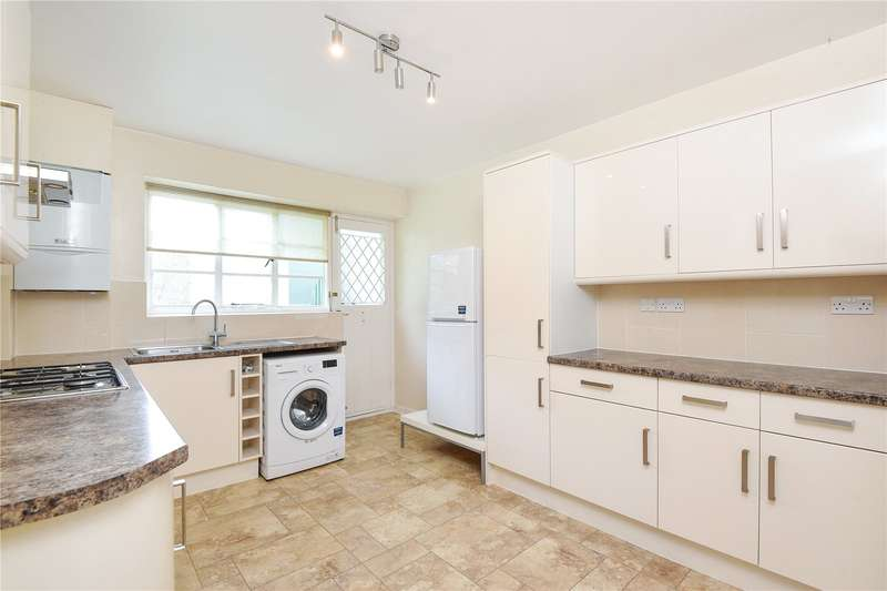 3 Bedrooms Apartment Flat for sale in Capel Gardens, Pinner, Middlesex, HA5