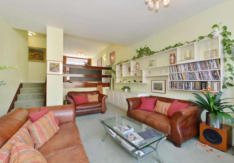 5 Bedrooms Terraced House for sale in Wallside, Barbican, Londoon, EC2Y 8BH