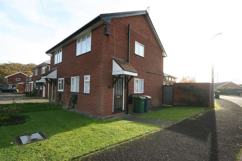 2 Bedrooms Semi Detached House for sale in Aylsham Drive, Wirral, CH49 4QX