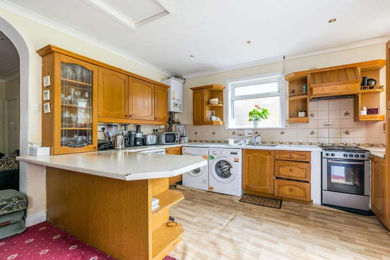 3 Bedrooms House for sale in Bath Road, Hounslow, TW3