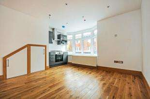 1 Bedroom Flat for sale in Selsdon Road, South Croydon