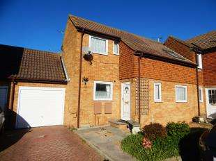 2 Bedrooms Semi Detached House for sale in Sanders Court, Minster, Sheerness, Kent