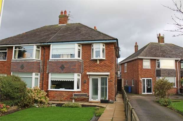 3 Bedrooms Semi Detached House for sale in Broadway, Fleetwood, Lancashire