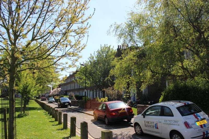 3 Bedrooms Maisonette Flat for rent in Sanford Terrace, Stoke Newington
