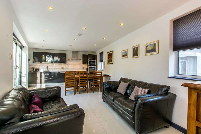 2 Bedrooms House for sale in Latchmere Road, Battersea, SW11