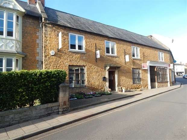 1 Bedroom Flat for sale in Fore Street, Castle Cary