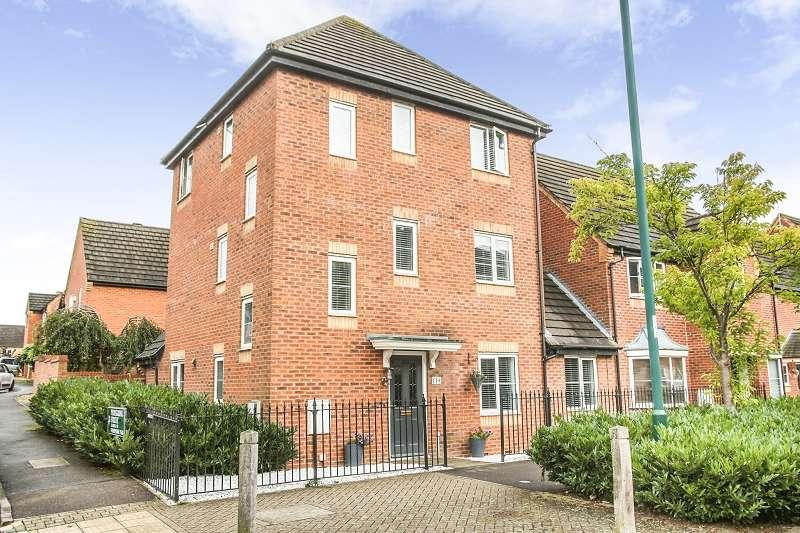 5 Bedrooms Detached House for sale in Eagle Way, Hampton Vale, Peterborough, PE7 8EA