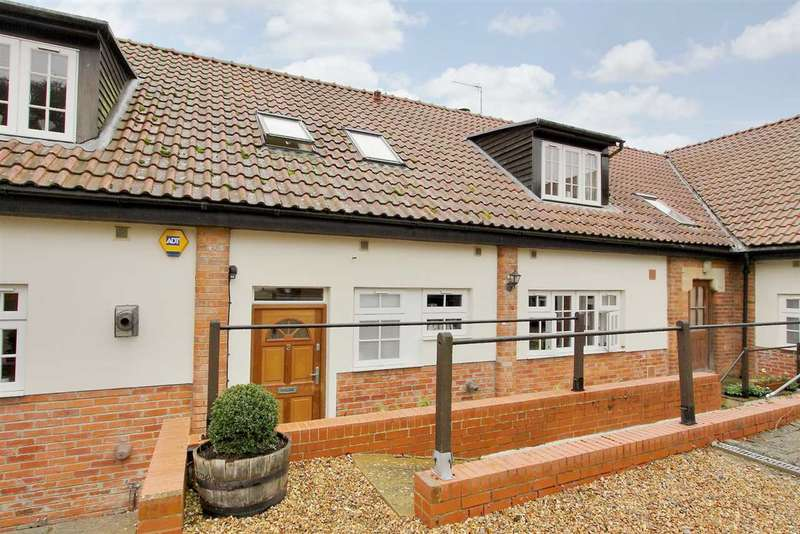 3 Bedrooms Terraced House for sale in Thruxton Farm Cottages, Cholderton, Sailsbury