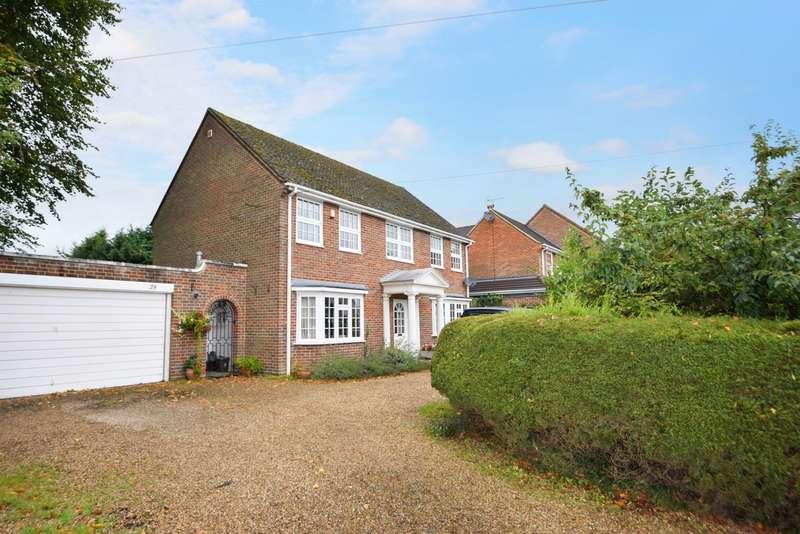 4 Bedrooms Detached House for rent in Green Lane, Burnham, SL1