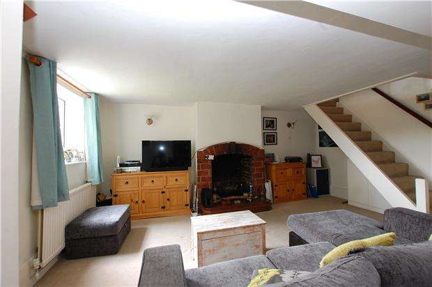 2 Bedrooms Semi Detached House for sale in Yew Tree Cottages, Brighton Road, Coulsdon, Surrey, CR5 3ES