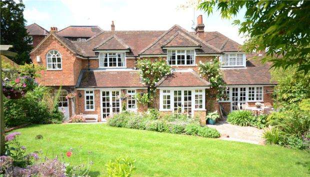 4 Bedrooms Detached House for sale in High Street, Wargrave, Reading