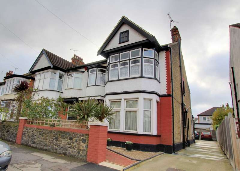 2 Bedrooms Flat for sale in Albion Road, Westcliff on Sea