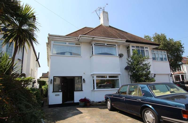 4 Bedrooms Semi Detached House for sale in Yards from the Thames Estuary - Chalkwell - Westcliff on Sea