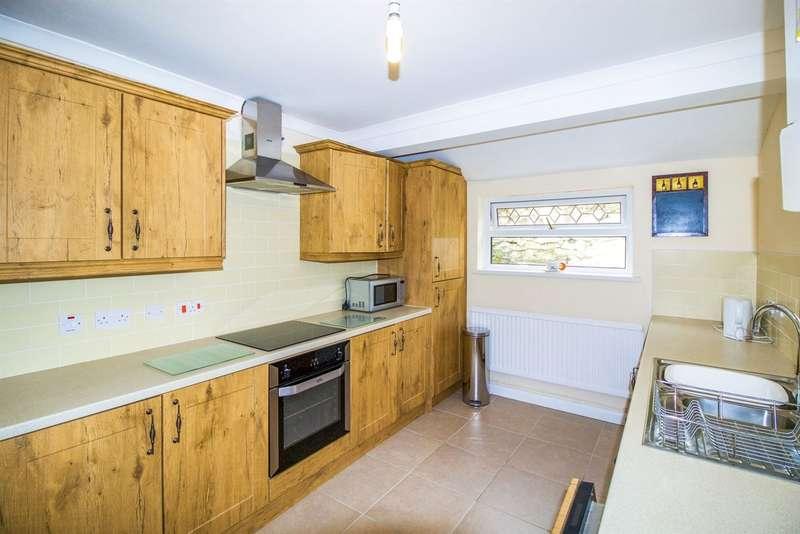 3 Bedrooms Property for sale in Pentre Beili Terrace, Lewistown, Bridgend