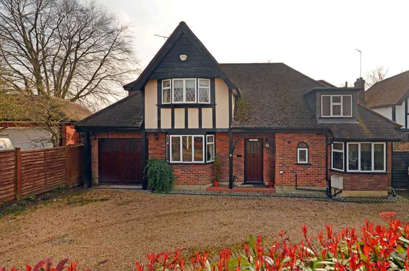 4 Bedrooms House for sale in Turnoak Avenue, Woking, GU22