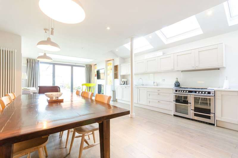 3 Bedrooms Terraced House for sale in Summer Road, Thames Ditton, KT7