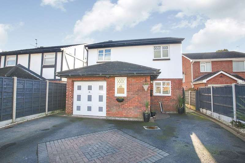 4 Bedrooms Detached House for sale in Chadwick Road, Middlewich, CW10