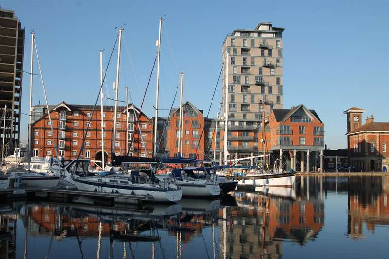 1 Bedroom Apartment Flat for sale in The Shamrock, Regatta Quay, Ipswich