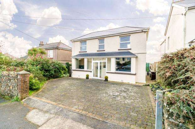 3 Bedrooms Detached House for sale in St Stephens Road, Saltash, Cornwall