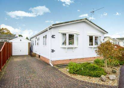 2 Bedrooms Bungalow for sale in Stopples Lane, Hordle, Hants
