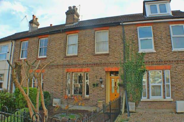 3 Bedrooms Terraced House for sale in Junction Road, Reading