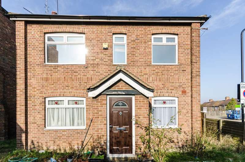 3 Bedrooms Maisonette Flat for rent in Forest Road, Walthamstow, E17