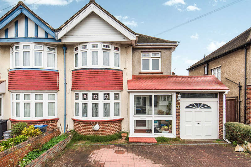 3 Bedrooms Semi Detached House for sale in Endway, Surbiton, KT5